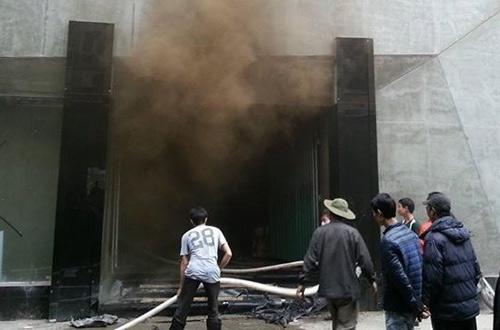 HN: Cháy quán bar khu Zone 9, 6 người chết - 6
