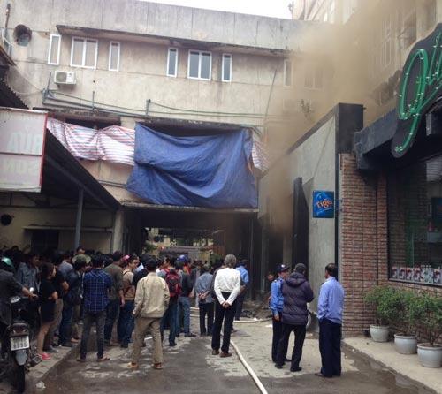 HN: Cháy quán bar khu Zone 9, 6 người chết - 4