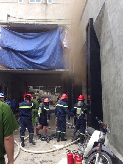 HN: Cháy quán bar khu Zone 9, 6 người chết - 1