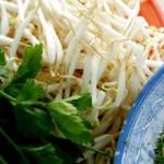 Sức khỏe đời sống - Chả cá chứa urê, rau mầm tiêm thuốc kích thích