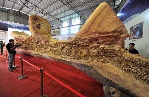 Bức tranh trên khúc gỗ đạt kỷ lục Guinness - 1