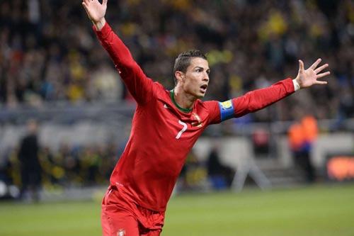 Hãy ngả mũ trước Ronaldo và cả Ibra! - 2
