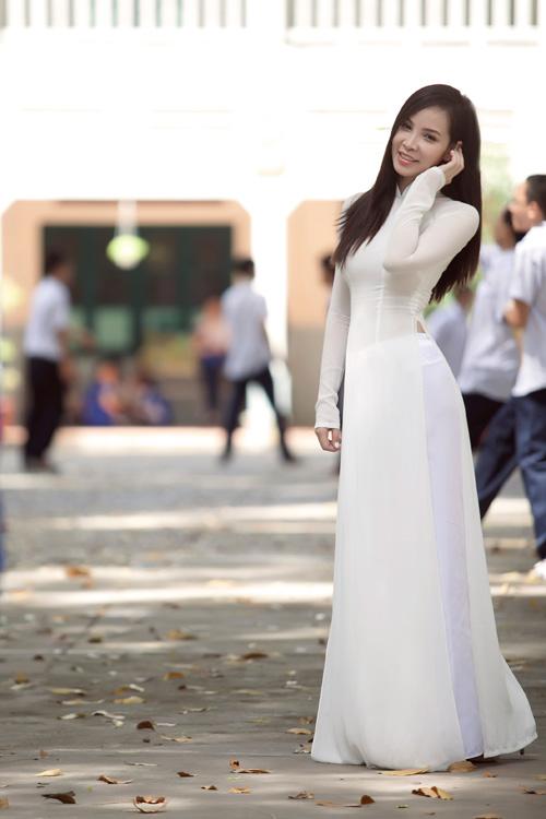 Ngọc Bích duyên dáng với áo dài nữ sinh - 8