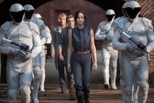 Hunger Games 2 cấm trẻ Việt dưới 16 tuổi - 4