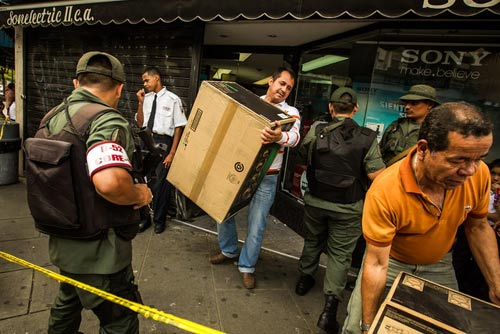 """Venezuela: Tổng thống được trao """"siêu quyền lực"""" - 2"""