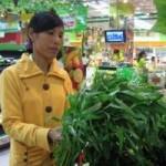 Thị trường - Tiêu dùng - Rau xanh tăng giá chóng mặt