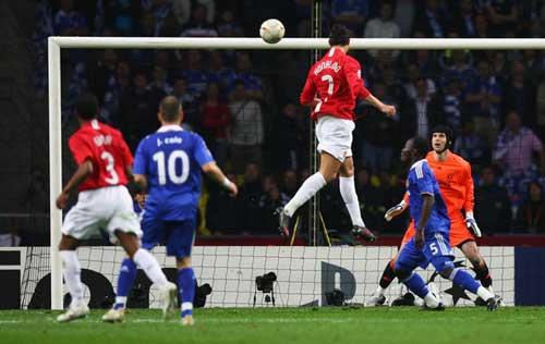 Ronaldo: Siêu sao của các trận cầu đinh - 1