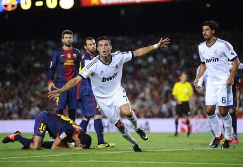 Ronaldo: Siêu sao của các trận cầu đinh - 2