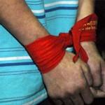 An ninh Xã hội - Hai chị em khống chế, quật ngã tên cướp có súng