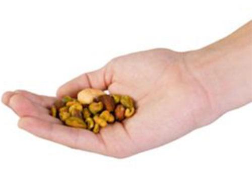 Các nhà khoa học khuyên nên dùng một nhúm hạt mỗi ngày