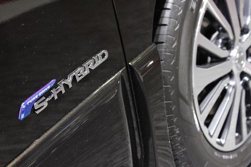 Nissan Serena 2014 - Đối thủ 8 chỗ ngồi của Toyota Innova - 8