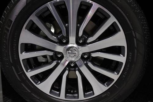 Nissan Serena 2014 - Đối thủ 8 chỗ ngồi của Toyota Innova - 10