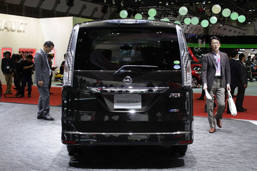 Nissan Serena 2014 - Đối thủ 8 chỗ ngồi của Toyota Innova - 3