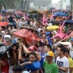 Thể thao - Người Philippines đội mưa cổ vũ Pacquiao
