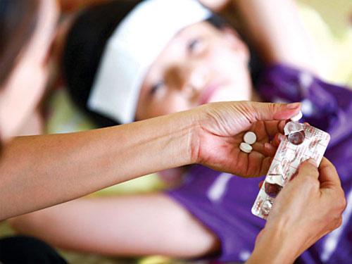 Những sai lầm khi dùng thuốc hạ sốt cho trẻ - 1