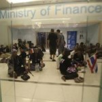 Tin tức trong ngày - Thái Lan: Người biểu tình chiếm cứ Bộ Tài chính