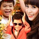 Psy nhí chung sân khấu với Hoàng Thùy Linh