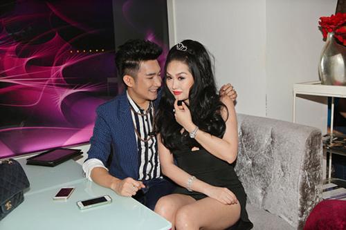Phạm Văn Mách tái xuất sân khấu - 7