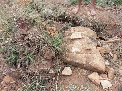 Hưng Yên: Dân bức xúc vì mộ cổ bị đào trộm - 4