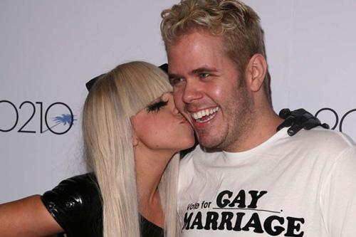 Lady Gaga bị tố giả tạo và lợi dụng người khác - 2