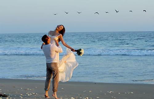 Sao Việt hạnh phúc, cay đắng vì chồng đại gia - 8