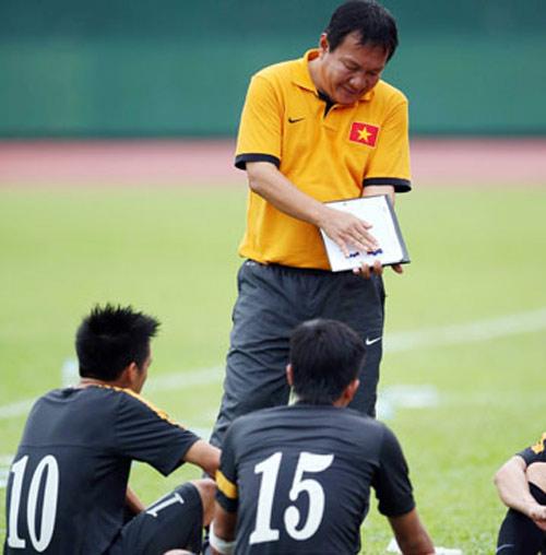 U23 VN trước SEA Games 27: Càng đá càng lo - 1