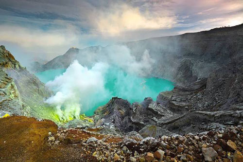 Những đốm lửa xanh kỳ ảo ở Indonesia - 1