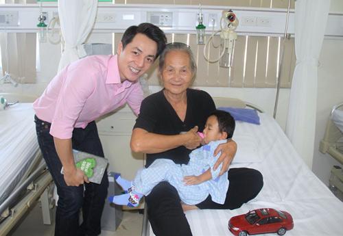 Vợ chồng Đăng Khôi đón sinh nhật trong bệnh viện - 2