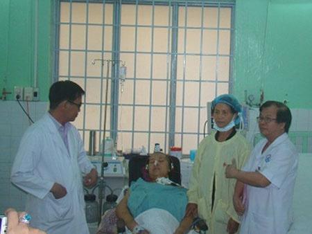 Đồng Nai: Lần đầu tiên cứu sống sản phụ bị thuyên tắc ối - 1