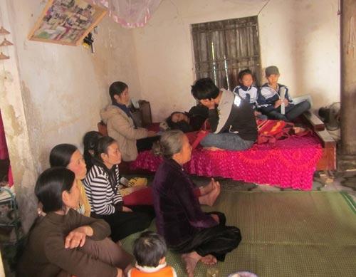 Đắm tàu ở Nghệ An: Cạn nước mắt ngóng chờ - 3