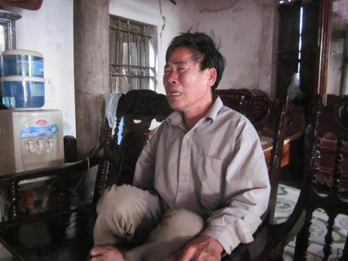 Đắm tàu ở Nghệ An: Cạn nước mắt ngóng chờ - 4