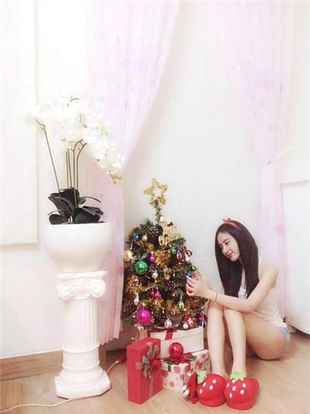 Loạn nhịp tim vì người đẹp đón Giáng sinh - 1