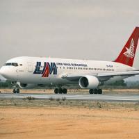 Máy bay chở 34 người của Mozambique mất tích