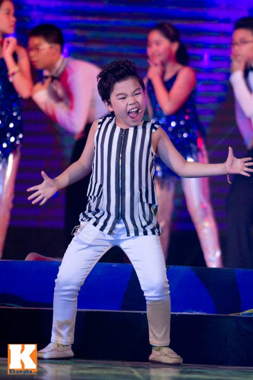 Psy nhí đốt nóng sân khấu Hà Nội - 8