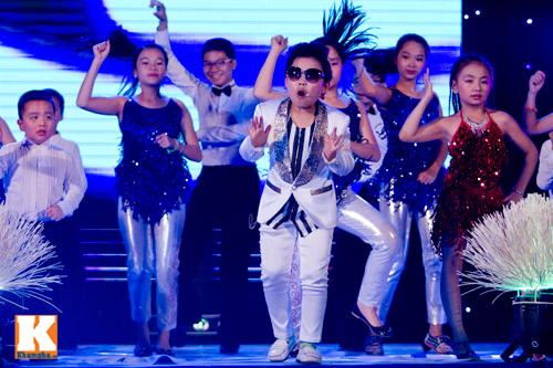 Psy nhí đốt nóng sân khấu Hà Nội - 2