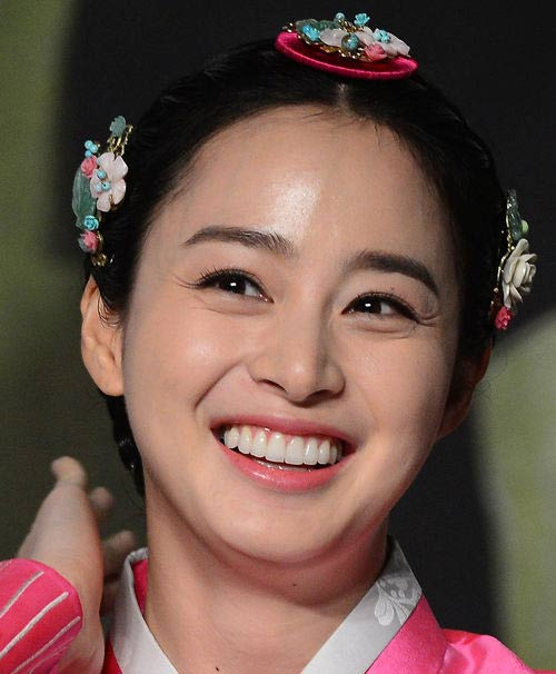 Học vẽ lông mày như Kim Tae Hee - 1
