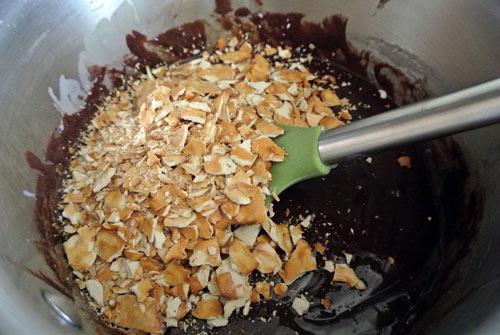 Bánh sô cô la ô mai mơ cực dễ làm - 4