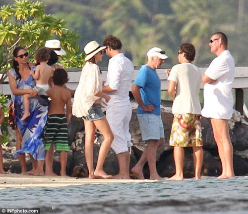 Miranda Kerr cặp kè với ông trùm sòng bạc? - 4