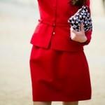 Thời trang - Làm bạn với váy đỏ không khó!