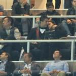 Bóng đá - Ronaldo tình tứ với bạn gái trên khán đài