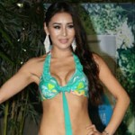 Thời trang - Thí sinh Miss Earth mất điểm vì ngực lệch