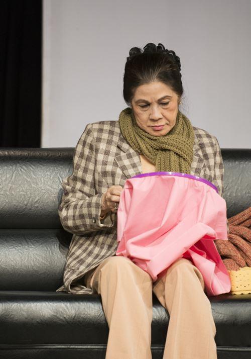 """Nguyệt Ánh """"lột xác"""" trên sân khấu kịch - 10"""