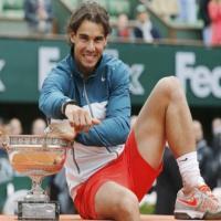 Du đấu 1 tuần, Nadal kiếm hơn 200 tỷ