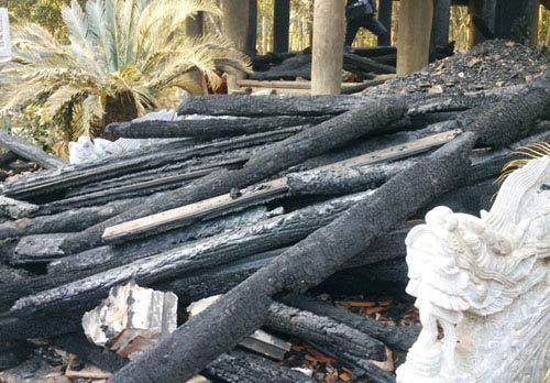 Bộ Công an vào cuộc vụ cháy đền thờ Lê Lai - 3
