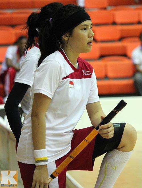 Hot girl hâm nóng SEA Games 27 - 7