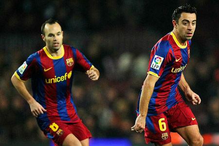 """Barcelona nổi sóng: Xavi và Iniesta """"bật"""" HLV Martino - 1"""