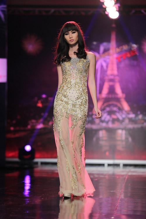 Ngọc Oanh gợi cảm với váy cưới mullet - 14