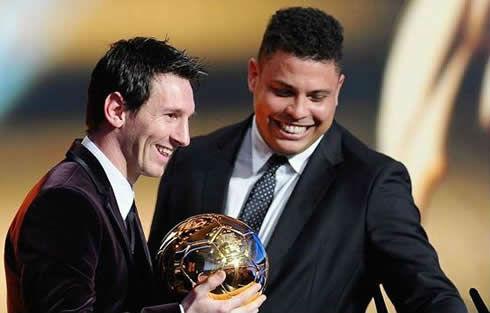 Ronaldo bầu chọn QBV cho… Messi - 1