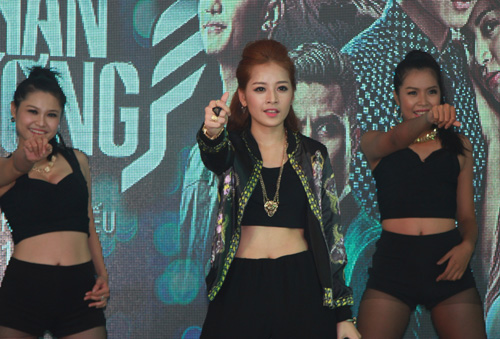 Chi Pu hát nhảy cực sung - 5