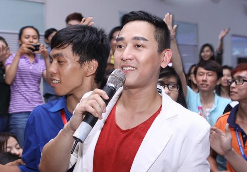 Chi Pu hát nhảy cực sung - 13